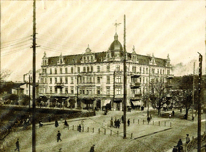 Adolf Franke's house in Częstochowa, which housed the Victoria Hotel during the interwar period, early 20th century
