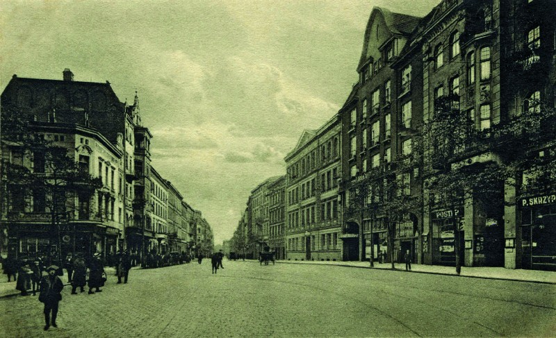 View of the Święty Marcin Street in Poznań's Old Town, with the building of the Academy of Music to the right, 1920s